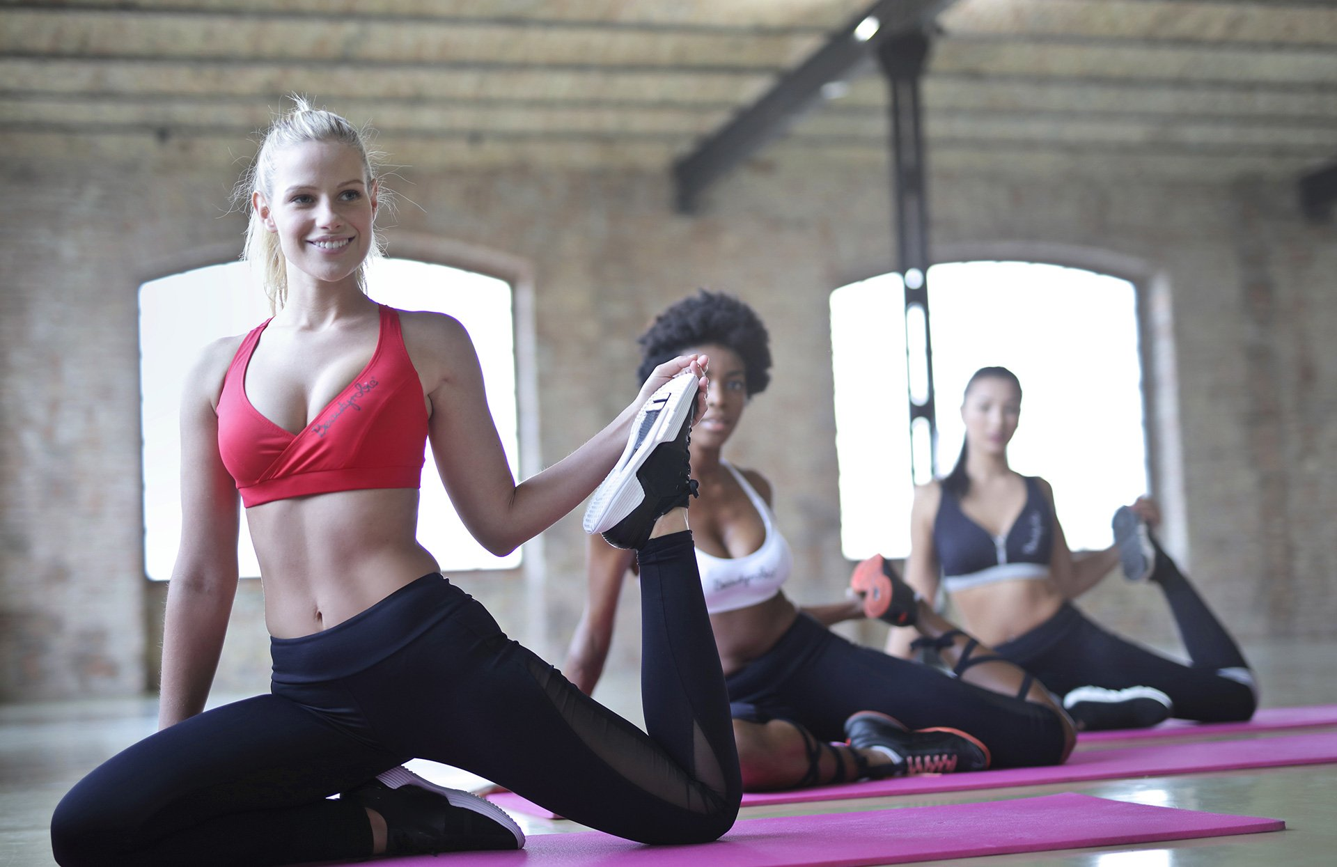 Lifestyle Gym Website Women Doing Yoga