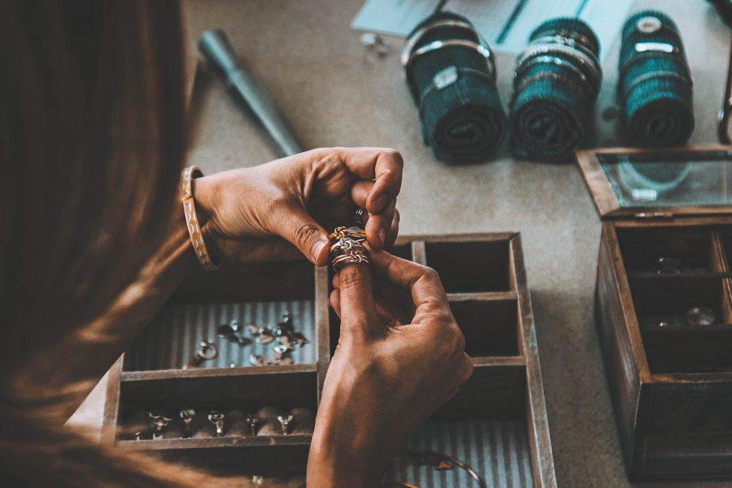 Artisan Jewelry Maker Website Template Artisan Jewelry Maker - Hand Crafted 1