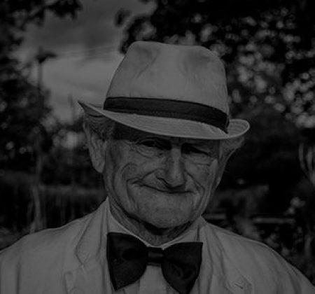 black-and-white-elderly-hat-160422-v2